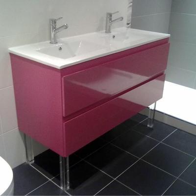 Mueble de baño fabricado en DM lacado