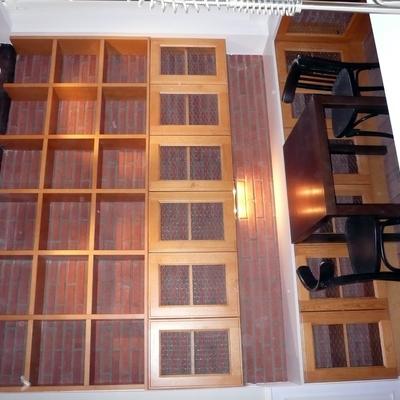 mueble en pino teñido