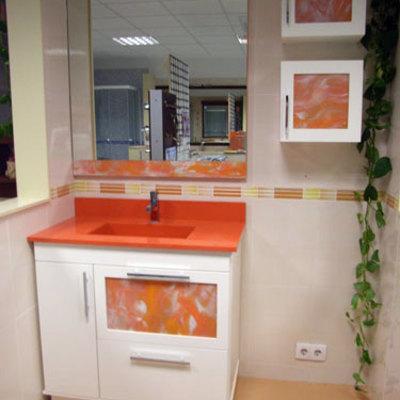 Mueble encimera compac naranja y auxiliares