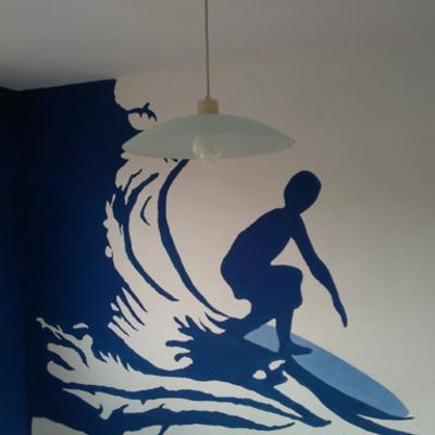 Mural decorativo con temática de surf