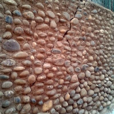 Muro de cantos rodados