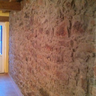muro piedra vista