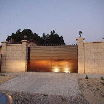 muro puerta entrada parcela
