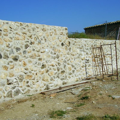 Muros de piedra natural vista