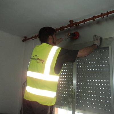 Inspección del cajón de persianas