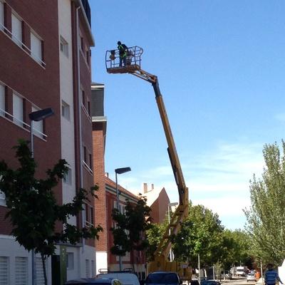 Reabilitación de fachadas con maquina telescopica
