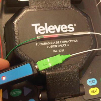 Lapicero emisor de luz con diodo laser