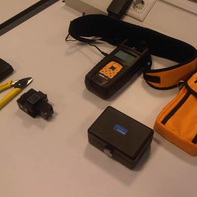Instrumentos y herramientas para fibra óptica