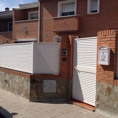 Vallas chalets modernos beautiful valla ocultacin residencial compacto fenlico trenzado blanco Vallas para chalets