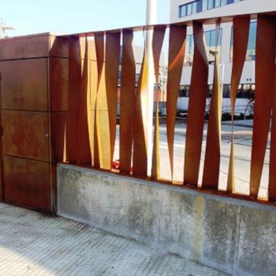 Puerta y valla acero corten para Sanitas