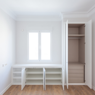 Interior armario a medida en L