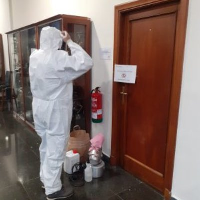 Desinfeccion en oficinas por positivos en COVID