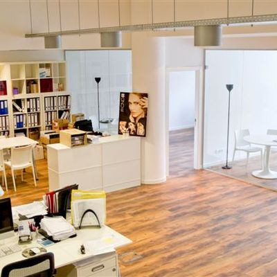 Oficinas Creative Beauty en Barcelona y Madrid