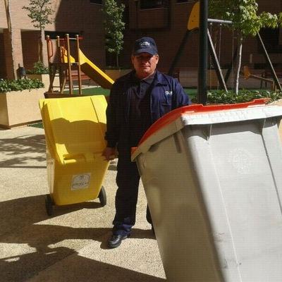 Onehabitat mantenimiento de cubos basura comunitarios