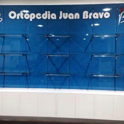 Mueble personalizado Ortopedia Juan Bravo Madrid