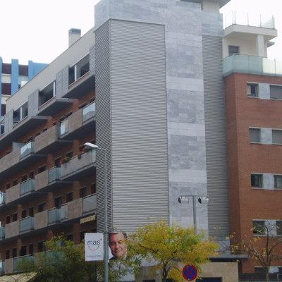 Edificio residencial plurifamiliar aislado en Blanes. 38 viviendas y garajes. Año 2004
