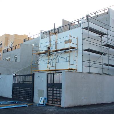 Construcción de Viviendas Aterrazadas