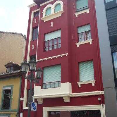 Pintura de fachada en C/ Martinez Vigil