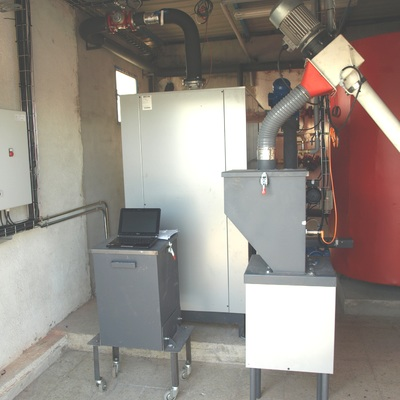 Caldera de pellets industrial de 180 kW