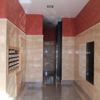 Instalación de ascensor y reforma de portal