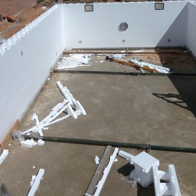 proceso de construcción de piscina