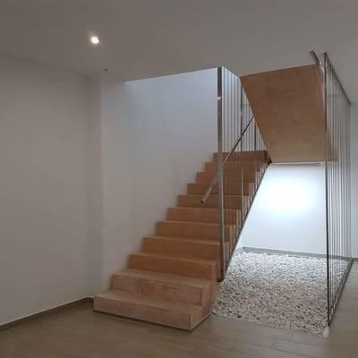 Escalera monolítica volada