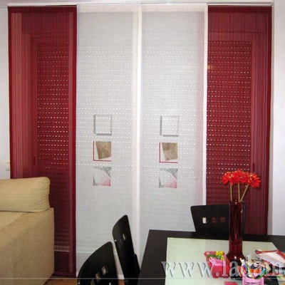 Panel Japonés combinado con lamas rojas