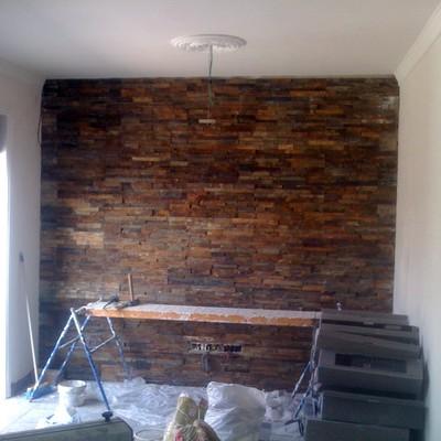 pared forrada de piedra