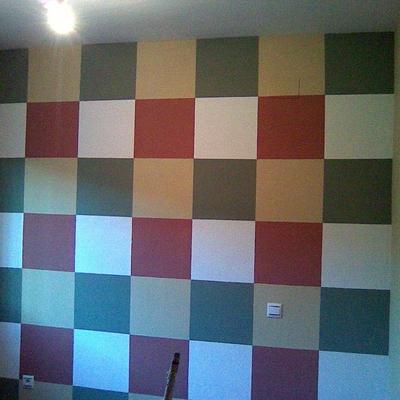 pared pintada a cuadros