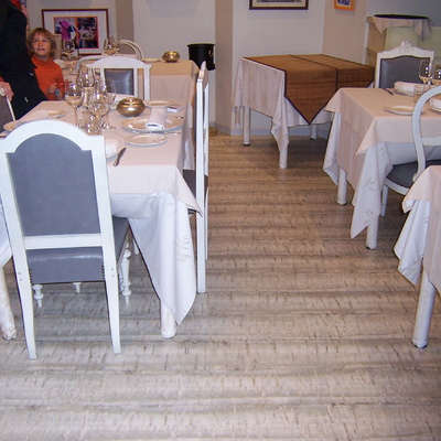 Parquet flotante Restaurante en Pamplona