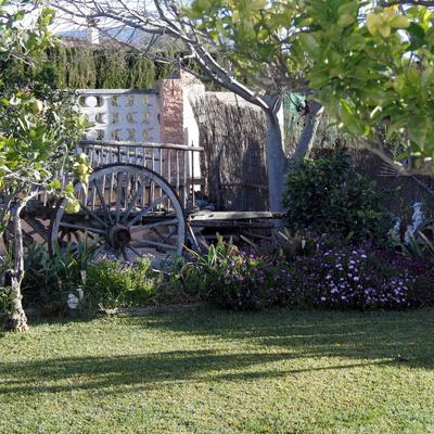 Parte delantera de jardin particular
