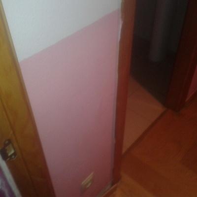 pasillo a dos colores