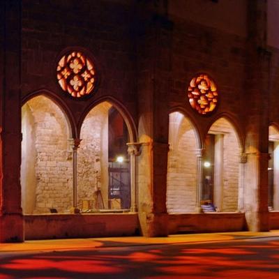 Barcelona. Patio y claustro del Convent de Sant Agustí.