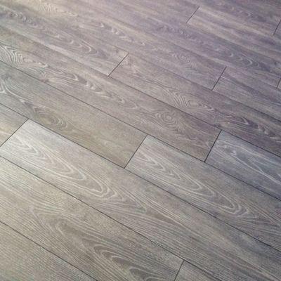 Pablo suelos y complementos s l huesca for Pavimento imitacion madera