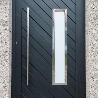 Puerta peatonal en aluminio soldado diseño exclusivo por cliente