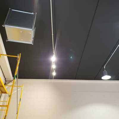 Nave pinturas techos y paredes y suelos y eletricidades