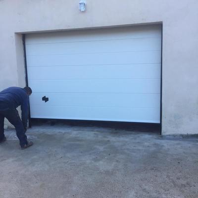 Puerta seccional serie 2D