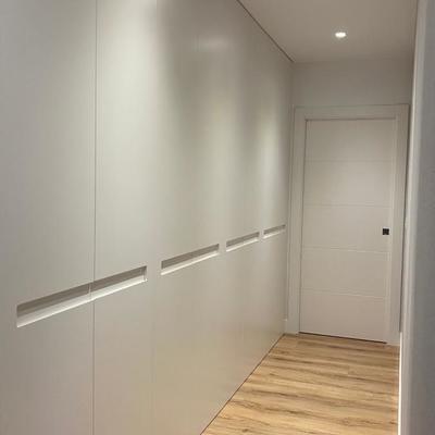 armario lacado puertas de suelo a techo