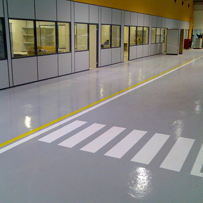 Pintar suelo de taller