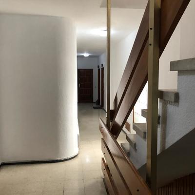 Pintura caja de escalera cuatro plantas