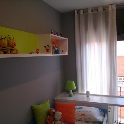 Pintura plástica en habitación infantil.