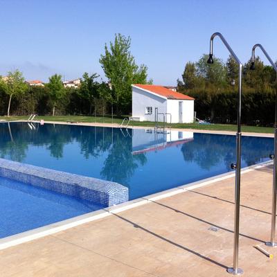 piscina desbordante La Yesa