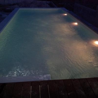 piscina desbordante