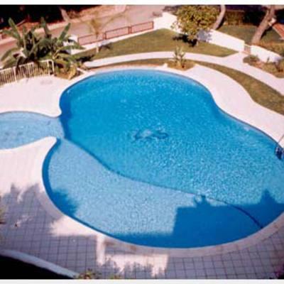 piscina oval