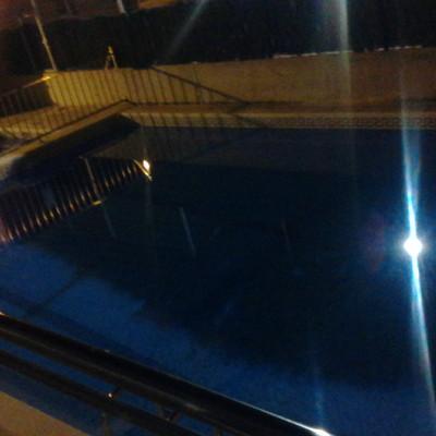 piscina preparada para el uso de los bañistas