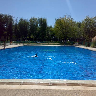 Piscinas grandes superficies