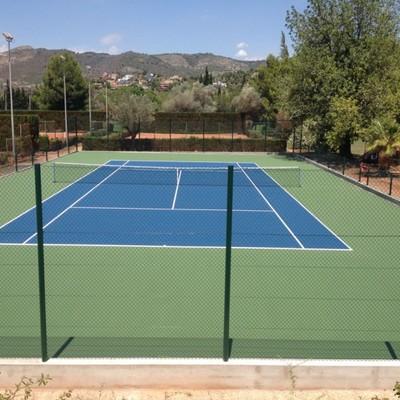 Instalación y Pintura de Pista de Tenis