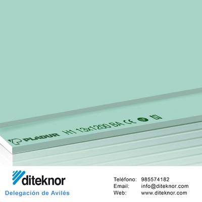 Placa de Pladur Hidrófuga, uno de los muchos productos de tabiquería seca que vendemos en el Almacén Diteknor de Avilés
