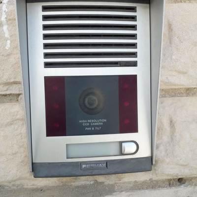 Instalación placa de videoportero
