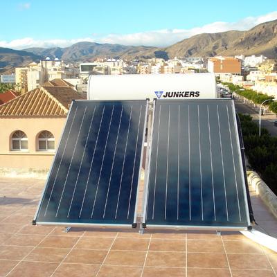 Placa solar agua caliente Junkers en Almería